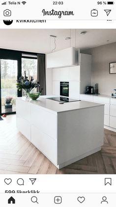 Kitchen Installation, Beautiful Kitchens, Simply Beautiful, Kitchen Island, New Homes, Minimalist, Good Things, Cleaning, Autumn