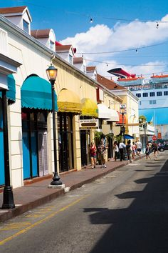 Re-pin if you'd rather be shopping in Nassau this weekend, instead of a crowded mall (and check out our parking spot!).