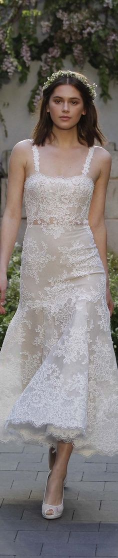 The new Monique Lhuillier wedding dresses have arrived! Take a look at what the latest Monique Lhuillier collection has in store for engaged brides. Elopement Wedding Dresses, Spring 2017 Wedding Dresses, White Wedding Dresses, Wedding Gowns, Spring Wedding, Lace Wedding, Trendy Wedding, Unique Weddings, Wedding Events