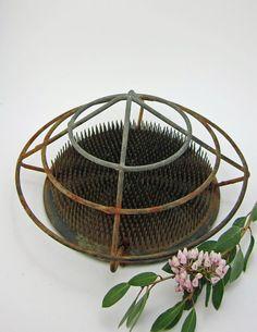 LARGE Round Dazey Needlesharp Flower Holder No 77 / Vintage Large Cage Metal Flower Frog