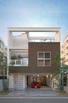 25 Inspirations for Garage Decorations Minimalist House Design, Minimalist Home, Modern House Design, House Outer Design, House Front Design, 3 Storey House, Narrow House Designs, Container House Design, House Elevation