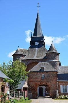 Parfondeval (Aisne - Thiérache) - Eglise Saint-Médard (église fortifiée)