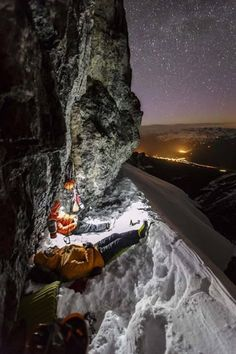 RV And Camping. Ideas To Help You Plan A Camping Adventure To Remember. Camping can be amazing. You can learn a lot about yourself when you camp, and it allows you to appreciate nature more. Ice Climbing, Mountain Climbing, Trekking, Camping 3, Camping Store, Luxury Camping, Survival, Life Photo, Photo Blog