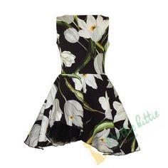 Nice # sleeveless # for # girl. # big # closes # zip # on # the # back. Big White Flowers, Flower Power, Rock, Zip, Fabric, Pattern, Gorgeous Dress, Festive, Dresses