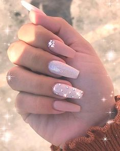 In look for some nail designs and ideas for your nails? Here's our set of must-try coffin acrylic nails for trendy women. Diamond Nail Designs, Pink Nail Designs, Acrylic Nail Designs, Nails Design, Diamond Nails, Summer Acrylic Nails, Best Acrylic Nails, Summer Nails, Spring Nails