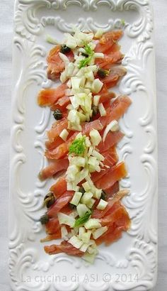 Business Cookware Ought To Be Sturdy And Sensible FINOCCHI salmone affumicato capperi La cucina di Asi Easy Cooking, Cooking Recipes, Healthy Recipes, My Favorite Food, Favorite Recipes, How To Cook Fish, Weird Food, Finger Food Appetizers, Food Design
