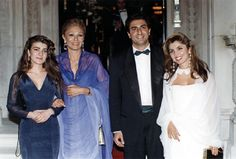 (2-L) Former empress of Iran Farah Diba Pahlavi with her children: (L-R) Princess Leila, Prince Reza Cyrus Pahlavi II and Princess Yasmine at a party given by king Constantin of Greece on 3 June 1990