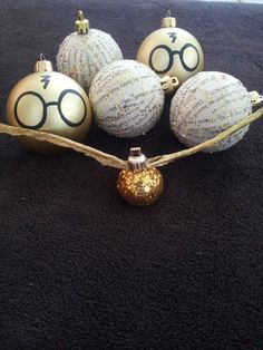 Harry Potter Ornament Set. Aah, too cool! I want to make the Golden Snitch one! :D