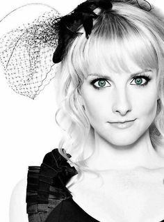 Melissa Rauch ~ Well known for playing the character, Bernadette in the extremely popular TV show, The Big Bang Theory. Super girl crush on her! Big Bang Theory, Melissa Rauch, Bachelor Of Fine Arts, Romy Schneider, True Blood, Kayley Melissa, Gorgeous Women, Beautiful People, Ice Age