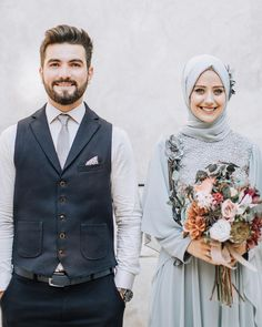 Image may contain: 2 people, people standing Muslimah Wedding Dress, Muslim Wedding Dresses, Muslim Brides, Wedding Hijab, Muslim Couples, Dress Wedding, Couple Travel, Wedding Couple Poses Photography, Korean Wedding