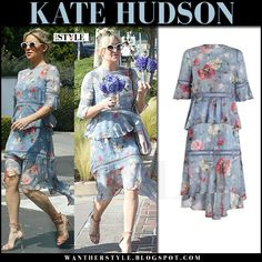 Kate Hudson in blue floral print tiered dress