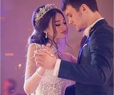 Find images and videos about wedding, wedding dress and bride on We Heart It - the app to get lost in what you love. Wedding Humor, Wedding Pics, Wedding Couples, Cute Couples, Cute Couple Selfies, Cute Love Couple, Beautiful Couple, Couple Goals Teenagers Pictures, Couple Ideas