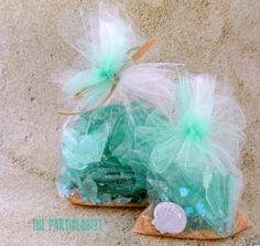 Who knew there was Edible Sea Glass?   That's right, I made Sea Glass and it's Easy, Edible, Sweet and Pretty.   Edible Sea Glass
