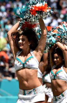 NFL Cheerleaders Photos from Week Three 2018 - Pro Dance Cheer Nfl Dolphins, Dolphins Cheerleaders, Football Cheerleaders, Nfl Football, Cheerleading, Nfl Tickets, Professional Cheerleaders, Ice Girls, Ukraine Girls