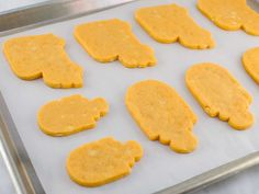 Orange Creamsicle Roll-Out Cookie Recipe - Semi Sweet Designs Roll Out Sugar Cookies, Cut Out Cookie Recipe, Cut Out Cookies, Sugar Cookies Recipe, Yummy Cookies, Baby Cookies, Heart Cookies, Halloween Cookie Recipes, Halloween Cookies Decorated