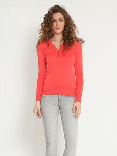 Μπλούζα με κουμπιά - 7,99 € - http://www.ilovesales.gr/shop/blouza-me-koubia-4/