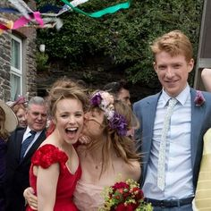 See How Rachel McAdams Wear a RED Wedding Dress in About Time