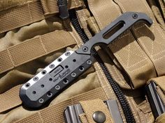 Outland's Kryptos knives were developed in cooperation with America's Special Operations Forces for optimum concealed carry, swift and natural draw, and reliable retention. The prominent pinky hook locates your hand and gives a secure location for a quick draw, while the heel on the handle gives a solid base for assisted thrusting. The