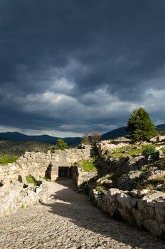 Historical Drama in Mycenae by Dimitris Zournatsidis –