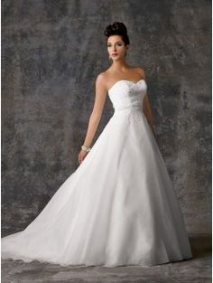 Ball Gown Sweetheart Chapel Train Organza Bridal Gown
