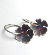 Oxidized silver hibiscus flower on a hammered hoop. Patina colours will vary. Patina Color, Oxidized Silver, Hibiscus Flowers, Mixed Metals, Metal Working, Heart Ring, Hoop Earrings, Colours, Handmade