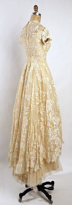 Wedding ensemble Gaston of Murray Hamburger    Date: 1955 Culture: American Medium: silk. Back