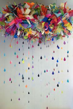 Nuage et pluie de papier