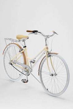 Kate Cruiser Bike by Schwinn - i see this on the streets of italy... sigh, if only i could go back.