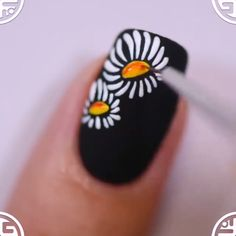 20 Floral Nails You Must Try for Spring AmazingNailsDesign nailsDesign nailsARt Nail Art Hacks, Nail Art Diy, Diy Nails, Cute Nails, Nail Art Designs Videos, Nail Art Videos, Fall Nail Designs, Pretty Nail Art, Beautiful Nail Art