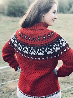 Ravelry: Fjordfolk(rundfelling) pattern by Linka Karoline Neumann Neumann, Norwegian Knitting, Knit Art, Knit In The Round, Fair Isle Knitting, Needles Sizes, Ravelry, Christmas Sweaters, Knitting Patterns