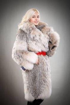 Long Fur Coat, Fur Coats, Anastasia 2, Fur Fashion, Womens Fashion, Sexy Women, Women Wear, Fabulous Furs, Fox Fur