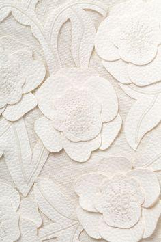 Beacon Hill Fabric / Lilliflora, Tusk