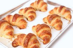 SHARING IS ( Croissants On Fire ) Want to make awesome croissant at home? Cuisine expert Laura Vitale unfolds her own easy-to-make recipes for home-made delicious croissants. Check this video below ( you'll love this croissant recipe ) SHARING IS Homemade Croissants, Chocolate Croissants, Crossant Recipes, The Kitchen Episodes, Bread Recipes, Cooking Recipes, Cooking Hacks, Cooking Gadgets, Breakfast