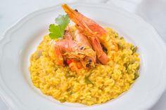 Das köstliche Garnelen Risotto kommt aus der mediterranen Küche. Ein einfaches aber außergewöhnliches Rezept das leicht gelingt und Abwechslung auf den Tisch bringt.