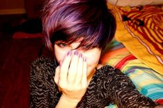 Short pixie haircut and dark purple hair color look amazing. This is my favorite color to celebrate my being stable. Cool Short Hairstyles, Short Hair Updo, Short Pixie Haircuts, Short Hair Cuts, Short Hair Styles, Short Undercut, Pixie Cuts, Dark Purple Hair Color, Short Purple Hair
