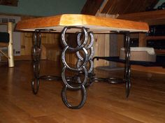 horseshoe table leg