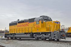 Union Pacific Railroad, Diesel Locomotive, Engineering, Train, Building, Modern, Trendy Tree, Buildings, Technology