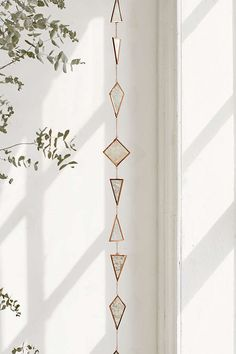 This Hanging Garland is a beautiful home decor idea