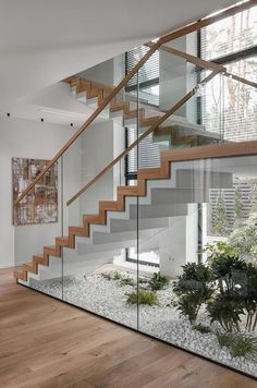 Staircase Design Modern, Home Stairs Design, Interior Stairs, Glass Stairs Design, Casa Magna, House Stairs, Living Room With Stairs, Deco Design, Minimalist Home