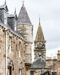 The picture pretty village of Falkland in Fife, Scotland is one of the best day trips from Edinburgh. With turrets, palaces, and lots of Outlander film location charm, it's worth a special trip.    #falkland #fife #scotland