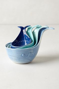 Whale-Tail Measuring Cups