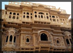 Nathmalji's Haveli is a renowned architectural marvel in the heart of Jaisalmer. This haveli is famous for its architecture that reflects the fusion of both Rajput and Islamic styles.  The haveli was constructed by Maharawal Berisal, the then Prime Minister of the princely state of Jaisalmer. It was built to serve as the residence of Diwan Mohata Nathmal.