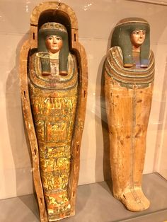Egyptian mummies at the Minneapolis Institute of Art Egyptian Mummies, Egyptian Art, Zombie Art, Archaeological Discoveries, Egyptian Mythology, Visit Egypt, Celtic Dragon, Toothless, Ancient Egypt