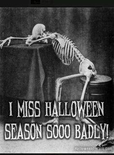 I miss Halloween season sooo badly