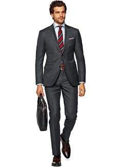 Suitsupply Suits: Soft-shoulders, great construction with a slim fit—our tailored, washed and formal suits are ideal for any situation. Formal Suits, Men Formal, Mens Fashion Suits, Mens Suits, Men's Fashion, Men's Business Outfits, Charcoal Suit, Beautiful Suit, Suit And Tie