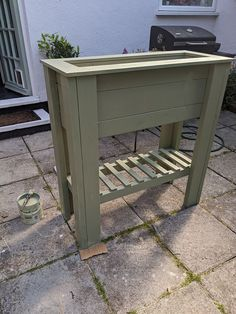DIY Standing Raised Bed Planter - perfect for beginners, perfect for adding height and greenery to a patio or balcony and to create an easier way to grow herbs or flowers for those who have issues with mobility. #diy #diygarden #planter #diyplanter #diyraisedplanter #raisedstandingplanter #raisedbed #raisedbeddiy #uk Raised Planter Beds, Raised Beds, Black Bin, Bin Bag, Diy Planters, Growing Herbs, Campers, Balcony, Greenery