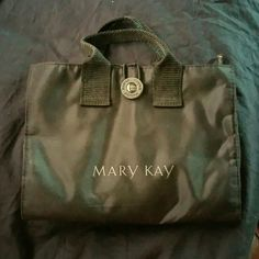 **New** Mary Kay makeup/brush bag New Mary Kay makeup/brush bag removable center bag holds 7 brushes. Makeup Brushes & Tools