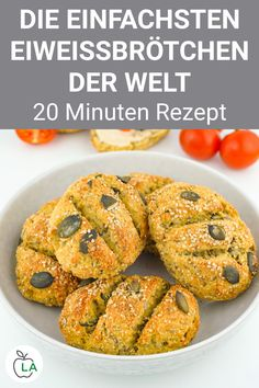 Low Carb Protein Bun Recipe - Bake Healthy Buns-Low Carb Eiweißbrötchen Rezept – Gesunde Brötchen backen Do you want to bake healthy rolls? Our low carb protein bun recipe is super tasty, high in fiber and perfect for losing weight. Healthy Diet Tips, Healthy Protein, Healthy Baking, Healthy Snacks, Low Carb Recipes, Baking Recipes, Diet Recipes, Easy Dinner Recipes, Breakfast Recipes