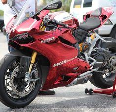 Ducati Panigale 1199 R chrome. Moto Ducati, Ducati Motorcycles, Moto Bike, Motorcycle Outfit, Motorcycle Bike, Super Bikes, Motos Retro, Vespa Scooter, Custom Sport Bikes