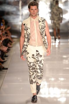 BRASIL S/S 15 | SÃO PAULO FASHION WEEK | COLCCI. Tailoring in pastel tones and prints. | FFW.com.br